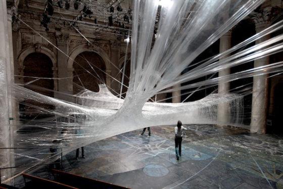 Il fil rouge tra arte contemporanea e arte della tessitura: Miniartextil